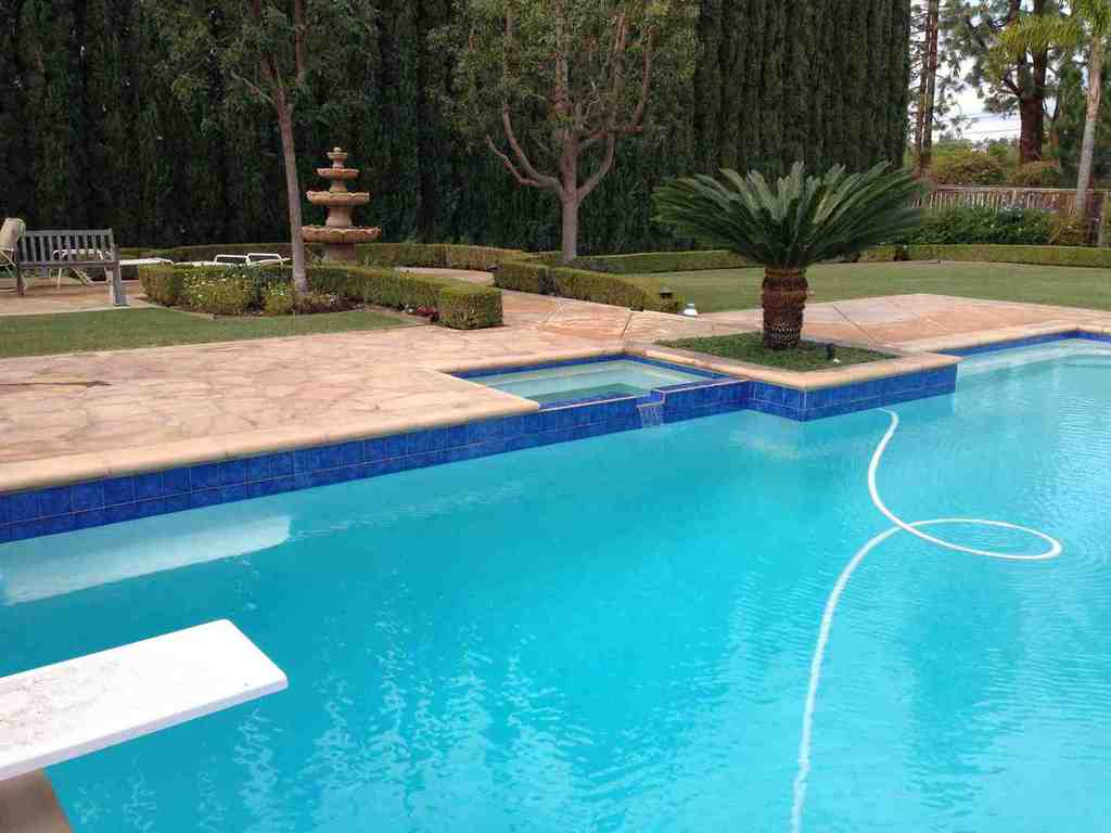 Little tile inc gallery of pictures of pools tiled over the years - Pool and blues ...
